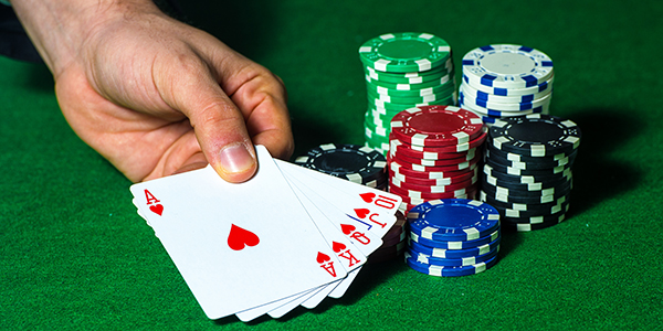 Advantages And Disadvantages of Online Poker – Online platform to welcome  all gamblers
